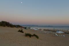 Sera alla spiaggia Anapa Immagine Stock