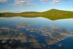 Sera calma nel lago Immagini Stock