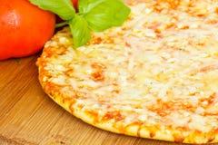 sera cztery fromaggi pizzy quatrro Zdjęcia Stock