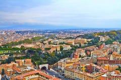 Sera della costruzione di panorama di Roma fotografie stock libere da diritti