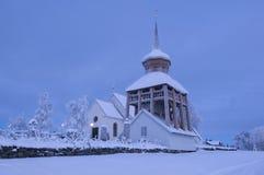 Sera medievale del vinter della chiesa di Mattmar Immagine Stock