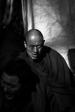 Sera Monastery Debating Monks sembra Lhasa Tibet dura fotografie stock libere da diritti