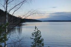 Sera nel lago Ladoga Immagini Stock