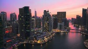 Sera nel porticciolo del Dubai stock footage