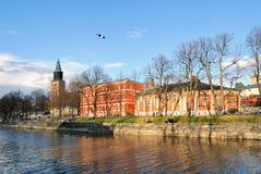 Sera piena di sole a Turku, la Finlandia fotografia stock
