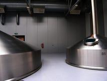 Serbatoi della fabbrica di birra Immagine Stock