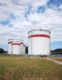 Serbatoi di olio combustibile Fotografia Stock