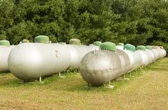 Serbatoi di propano che attendono per essere riciclato Fotografia Stock Libera da Diritti