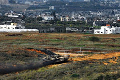 Serbatoio di esercito israeliano vicino alla striscia di Gaza Immagine Stock Libera da Diritti