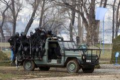 Serbe bewaffnete in der Tätigkeit Lizenzfreies Stockfoto