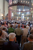 Serbes dans l'église Photographie stock libre de droits