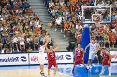 Serbia de encontro ao fósforo de basquetebol de Bulgária Fotos de Stock