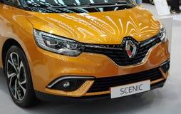Serbien; Belgrad; Am 2. April 2017; Der Abschluss oben der Maske von Renault Lizenzfreie Stockfotografie
