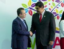 Serbiens Außenminister Ivica Dacic und venezolanischer Präsident Nicolas Maduro Stockfotografie