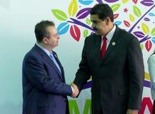 Serbiens Außenminister Ivica Dacic und venezolanischer Präsident Nicolas Maduro Lizenzfreie Stockfotos
