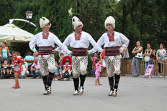 Serbiska dansare Royaltyfri Foto