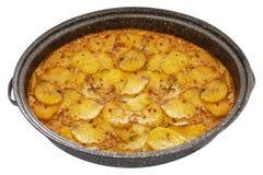 Serbski naczynia mousaka w garnku, balkan kuchnia jak tradycyjny asortowany naczynie odizolowywający na bielu zdjęcie royalty free