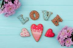 Serc kształtni ciastka dla walentynki Fotografia Royalty Free