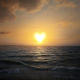 Serca kształtny słońce obraz royalty free