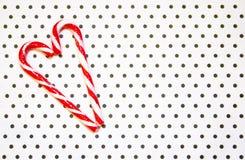 Serce cukierki na łaciastym tle Nowego Roku ` s wystrój miejsce tekst obrazy stock