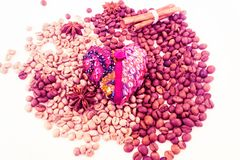 Serce, kawowe fasole, broderia valentin obraz stock
