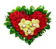 Serce kształtował bukiet czerwone róże i orchidee Obrazy Stock