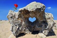 Serce kształtująca skała Obrazy Stock