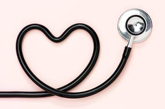 Serce kształtny stetoskop. Zdjęcia Stock