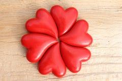 Serce kwiat na drewnianym tle Zdjęcie Stock