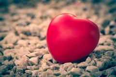 Serce miłość w walentynka dniu na kamieniu Zdjęcia Royalty Free