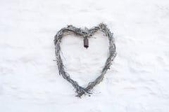 Serce na biel ścianie Zdjęcia Royalty Free