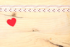 Serce na drewnianym tle Obrazy Royalty Free