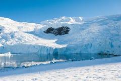 Serce na górach, Antarctica Obrazy Stock