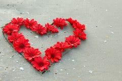 Serce od kwiatów zdjęcia royalty free