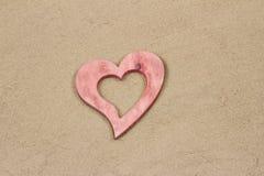 Serce w piasku. Zdjęcie Stock