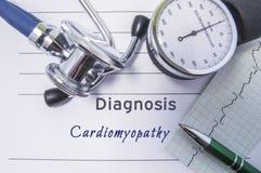 Sercowy diagnozy Cardiomyopathy Medyczny forma raport z pisać diagnozą Cardiomyopathy lying on the beach na stole w doktorskim ga fotografia stock