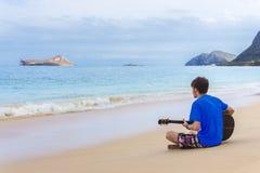 Serenata della spiaggia Fotografia Stock