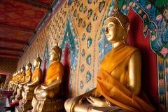 Serene Buddha staty Arkivfoto