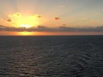 Serene Caribbean Sea Sunrise Images libres de droits