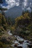 Serene Mountain River no vale de Spiti fotografia de stock royalty free