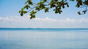 Serene Summer Sea en Tailandia foto de archivo