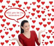 Serez-vous mon Valentine ? Belle fille de brune posant la question de Valentine. Saint Valentin. Photos libres de droits