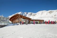 Serfaus-Fiss-Ladis滑雪胜地的Masner滑雪小屋餐馆 免版税库存照片