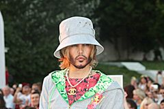 Sergei Zverev em um tipo YanaStasia de Collectionquot do quotCruise do desfile de moda Fotografia de Stock Royalty Free
