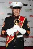 Sergent d'artillerie Devon Van obtient à la Hollywood Christmas Parade 2011 Image libre de droits