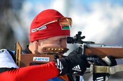 Sergey Balandin konkurriert in regionaler Schale IBU in Sochi Stockfoto