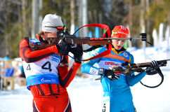 Sergey Bocharnikov konkurriert in regionaler Schale IBU in Sochi Stockbilder