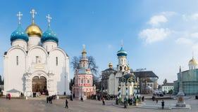 Sergiev Posad, RUSSIA-MARCH, 15日2012年 修道院 库存照片