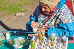 SERGIEV POSAD, RUSSIA - OCTOBER 13: Street artist draw souvenir Royalty Free Stock Image