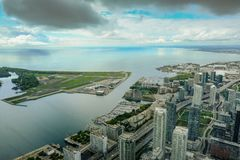 Serial view of Toronto, the lake and the nearby Airport, located on a small Island. royalty free stock photos